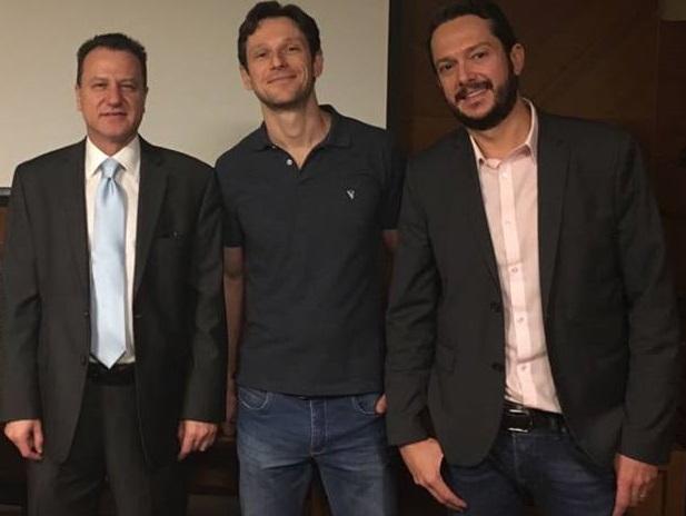Atualizações no Tratamento do Ceratocone - III Reunião Científica do Instituto Panamericano da Visão